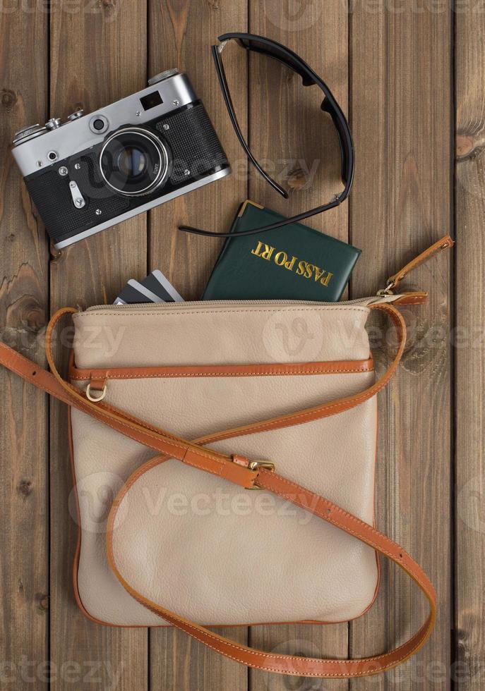 Frauentasche mit Dingen foto
