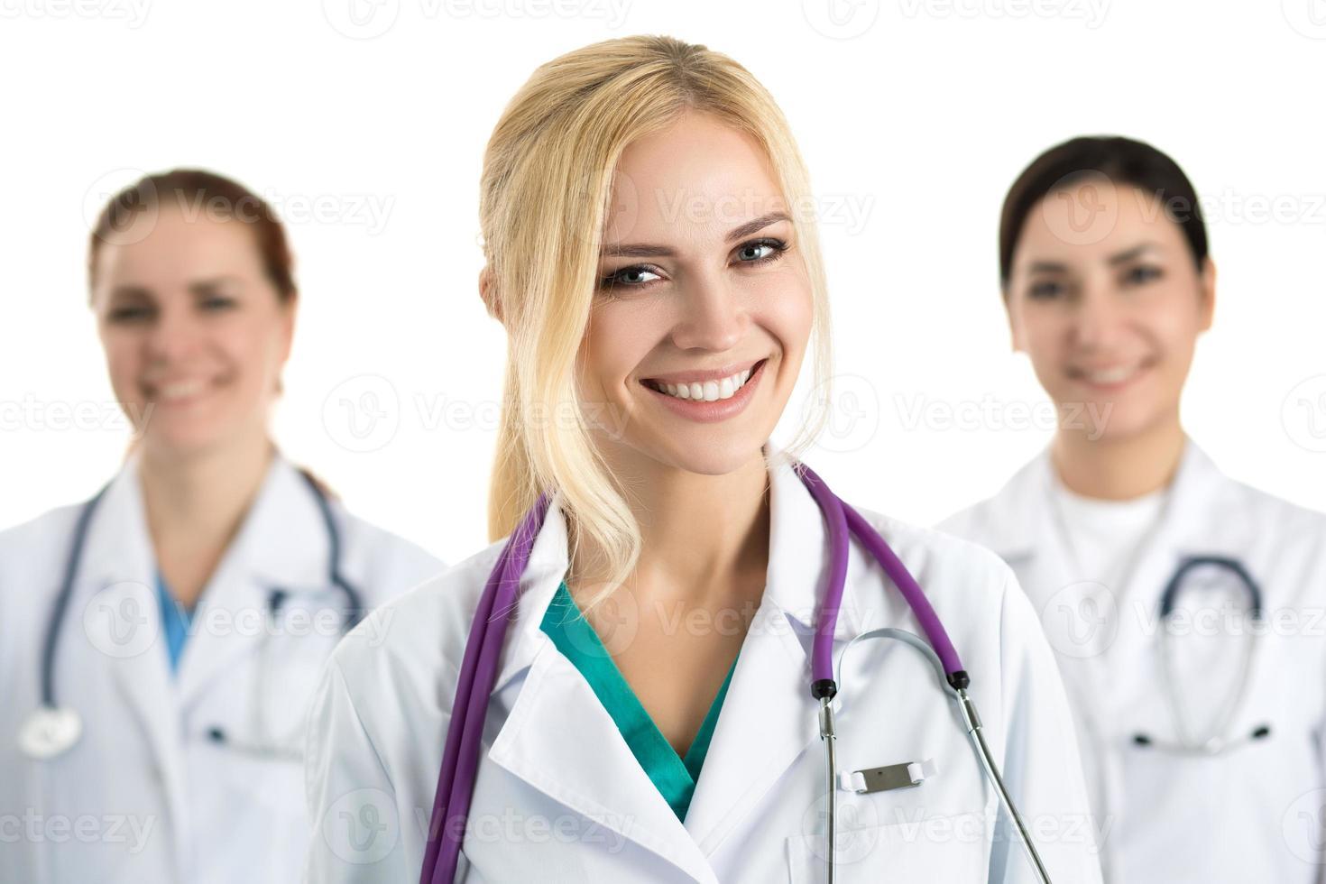 Porträt der jungen blonden Ärztin foto