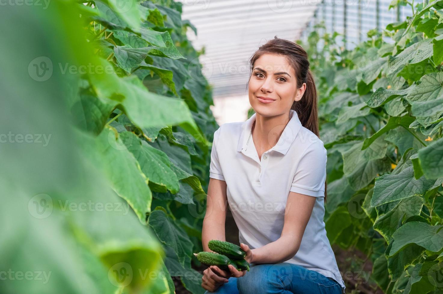 Porträt der jungen Landarbeiterin foto