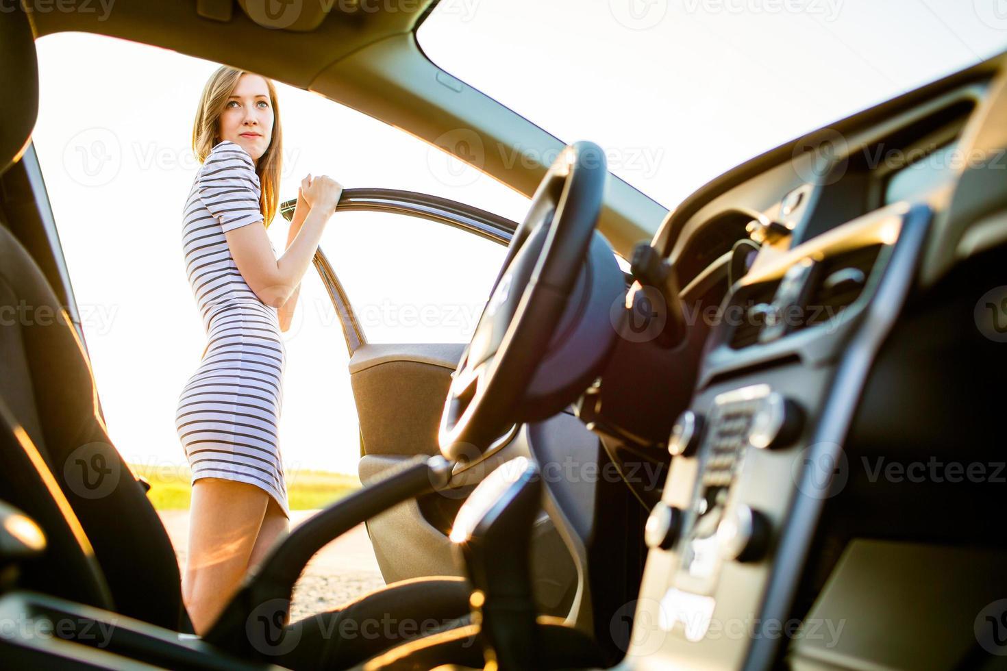 Porträt eines weiblichen jugendlich fahren foto