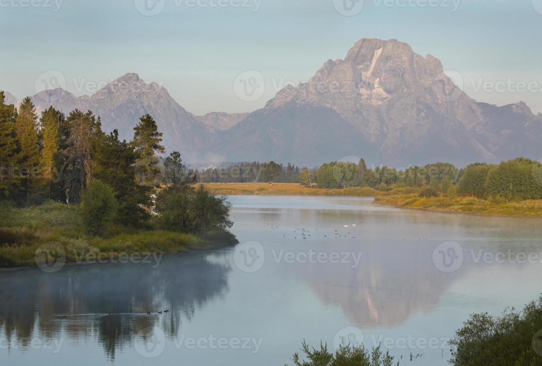 morgendliche Reflexionen über Snake River, Teton National Park, Wyoming foto