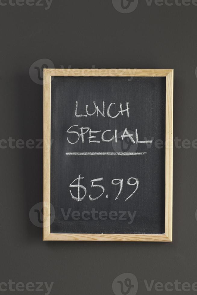 Mittagsangebot. Menüzeichen foto