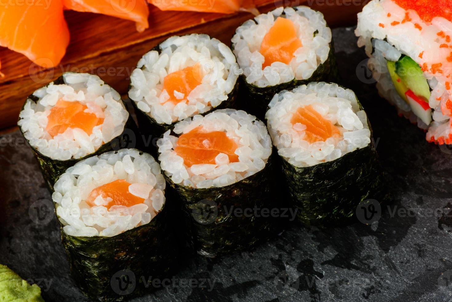 Maki-Sushi-Rollen foto