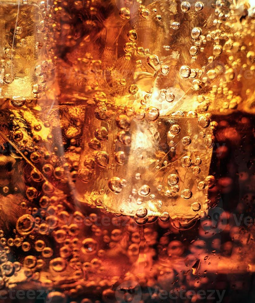 Cola mit Eis. Makro foto