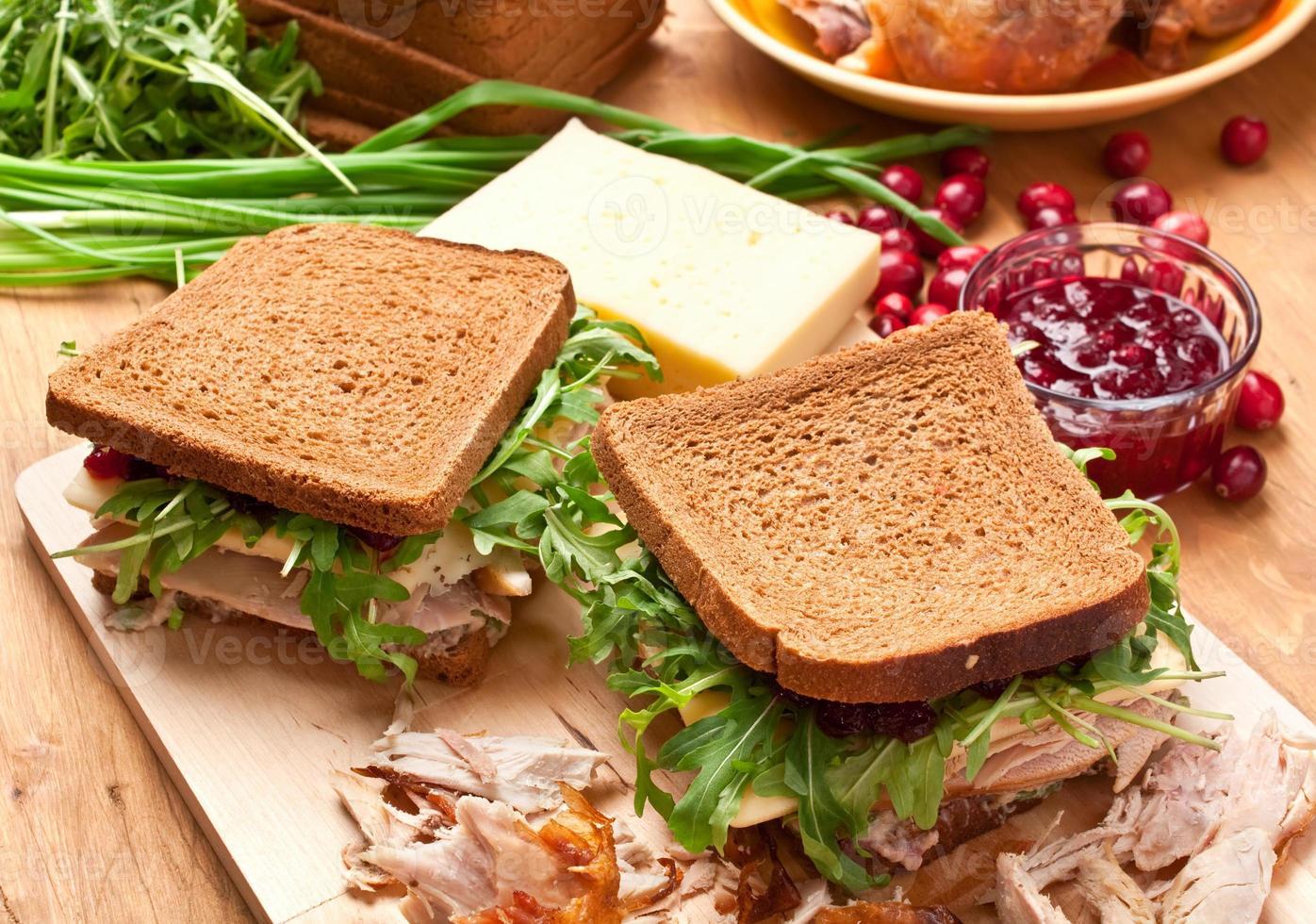 Vollkorn-Geflügel-Sandwich foto
