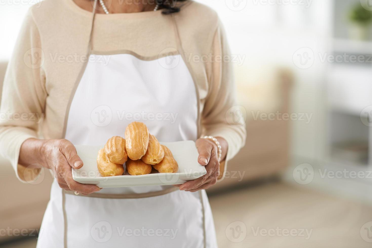 frisch gebackene Eclairs foto