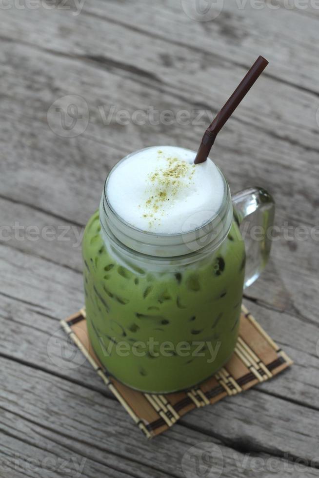 grüner Eistee und Milch ist köstlich foto