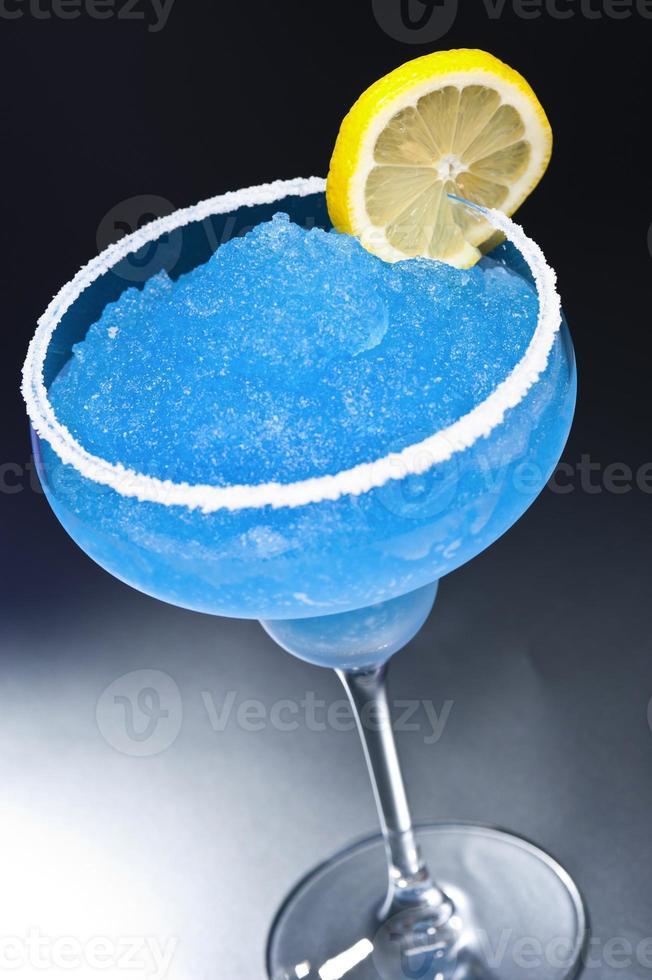 blauer Margarita-Cocktail foto