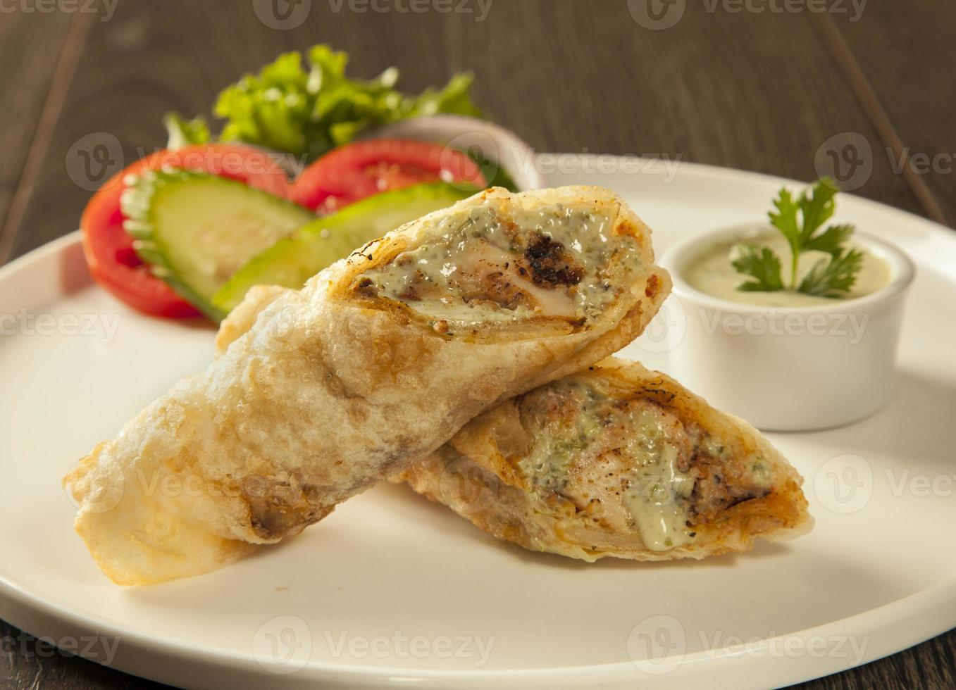 traditionelle Rolle Kebab Paratha Tikka Wrap foto