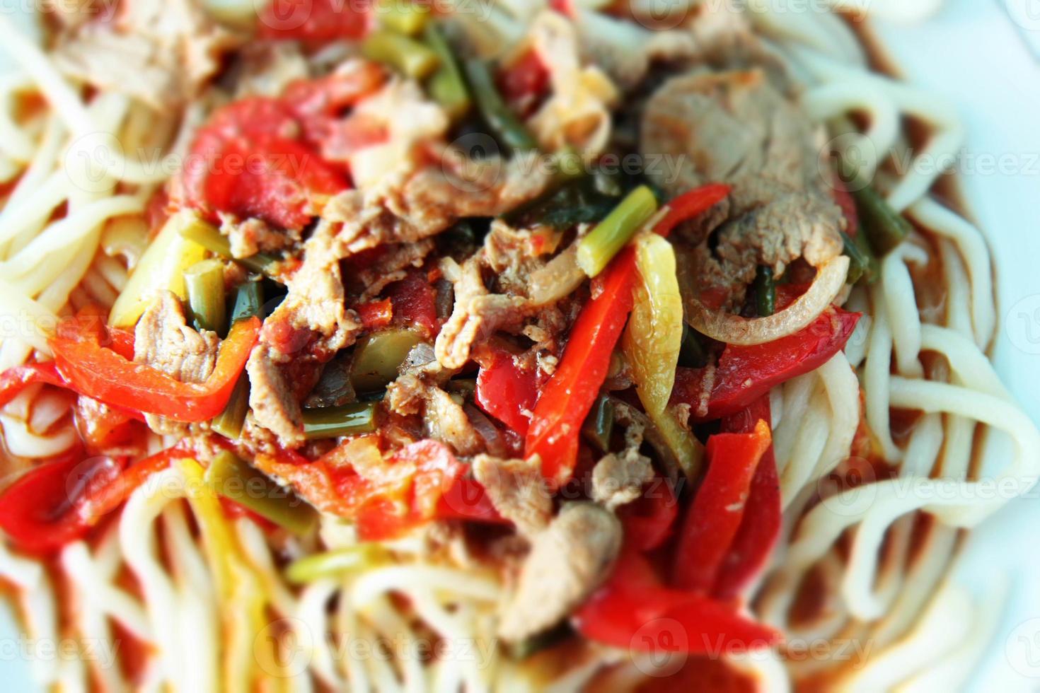 Spaghetti mit Fleisch foto