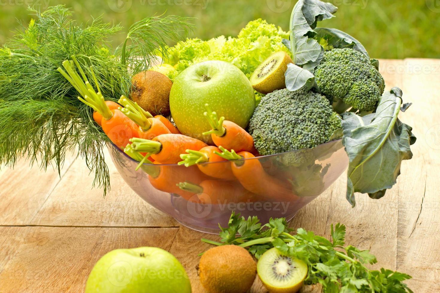 Zutaten für einen gesunden grünen Smoothie foto