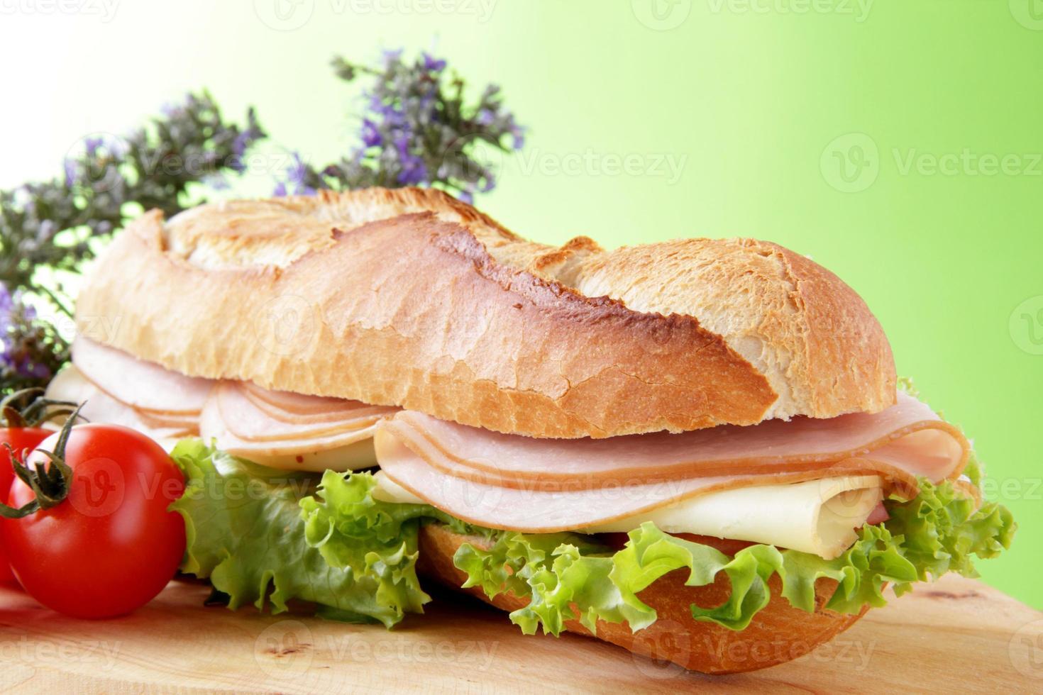 Sandwich mit Salami foto