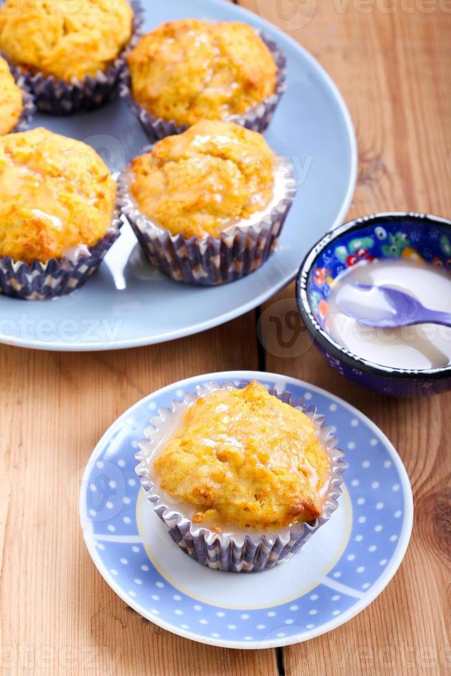 Cupcakes mit Karotten und Orangen foto
