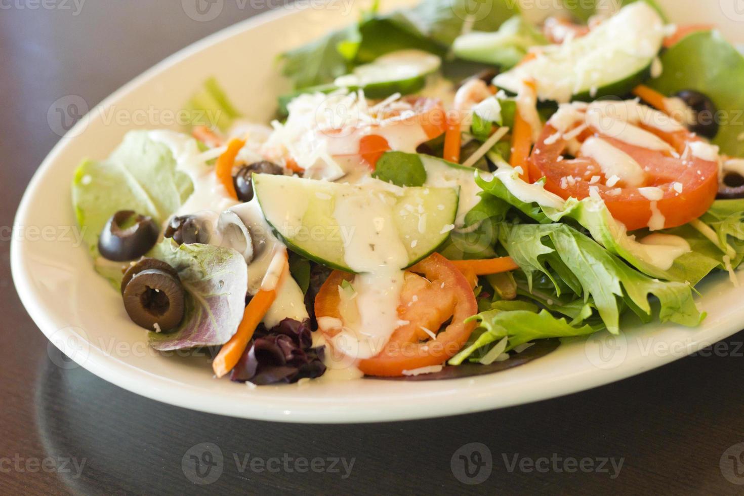 Griechischer Bio-Salat foto