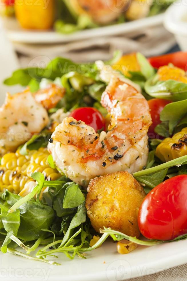 gesunder Garnelen-Rucola-Salat foto