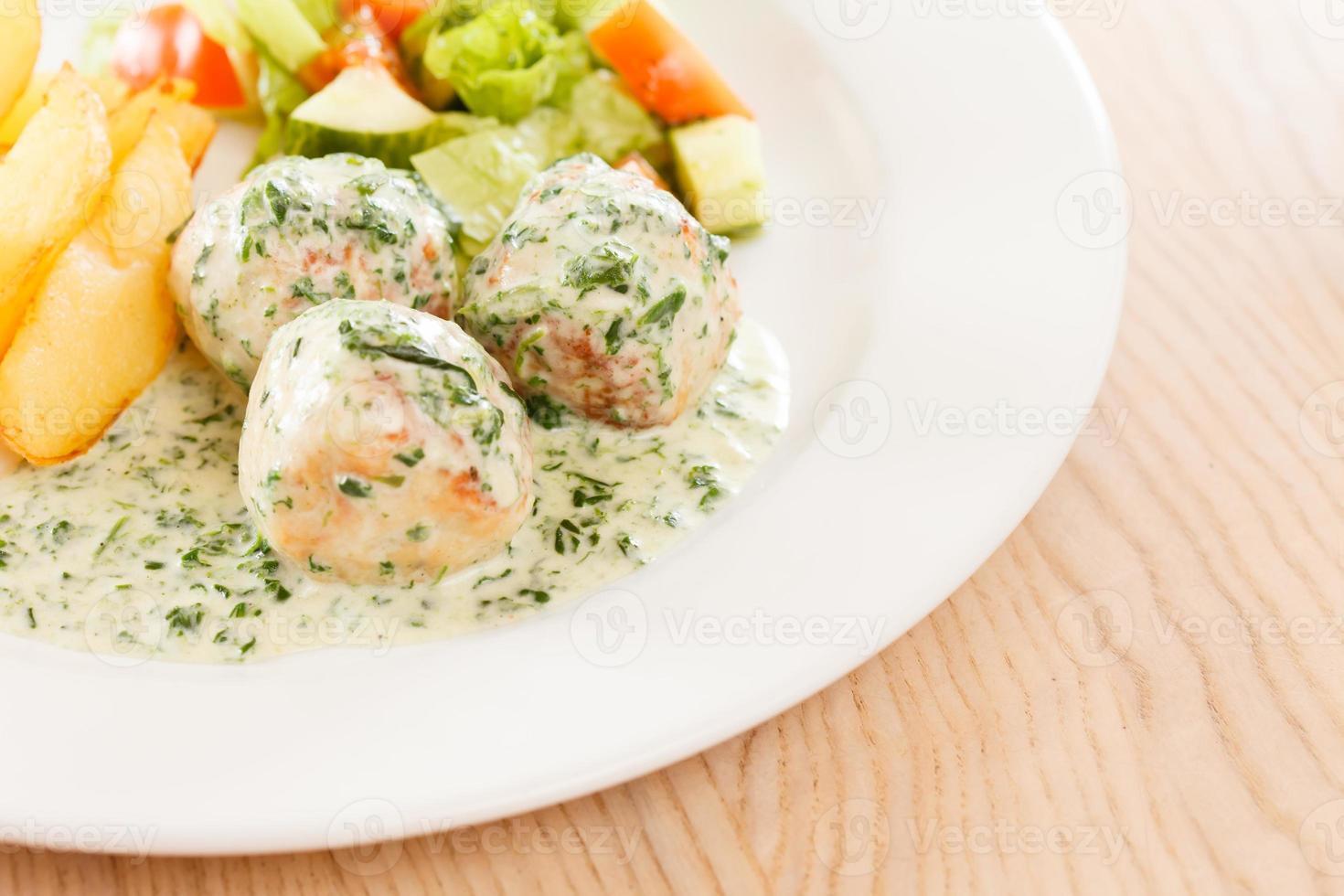 Fleischbällchen mit Kartoffeln foto