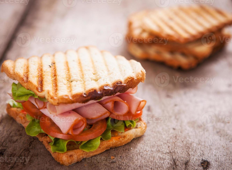 Toast mit geröstetem Brot foto