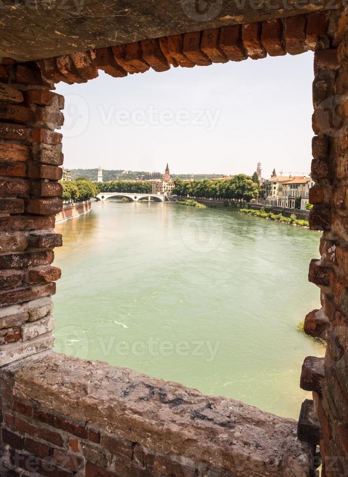 Fluss Etsch in Verona foto