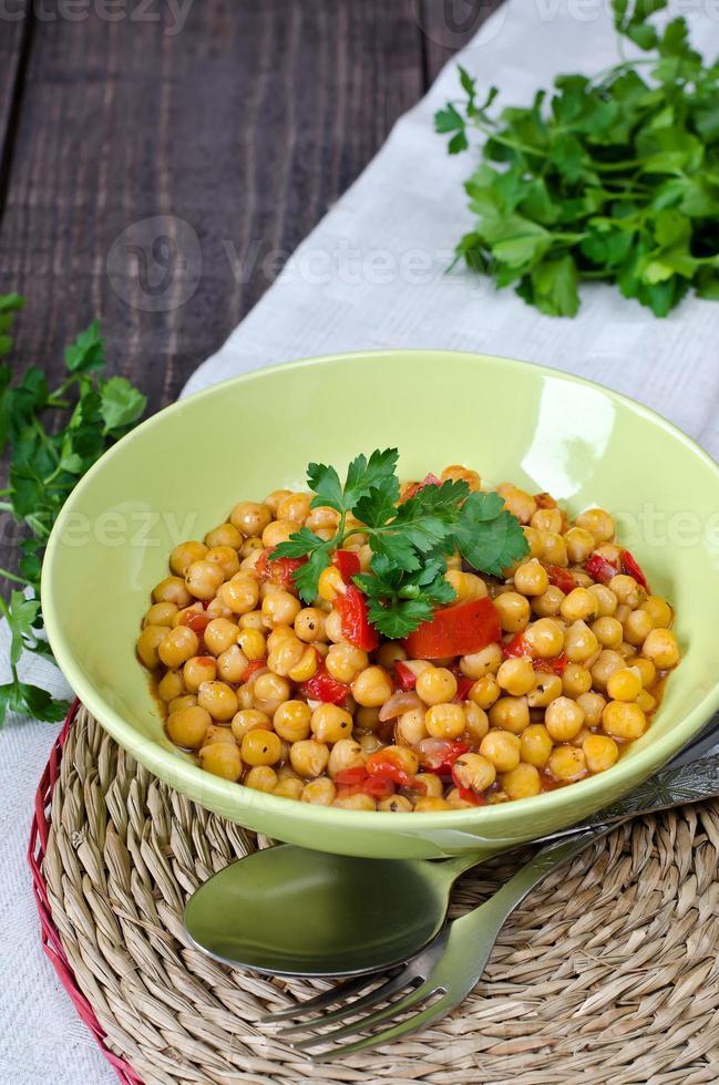 Kichererbseneintopf mit Gemüse foto