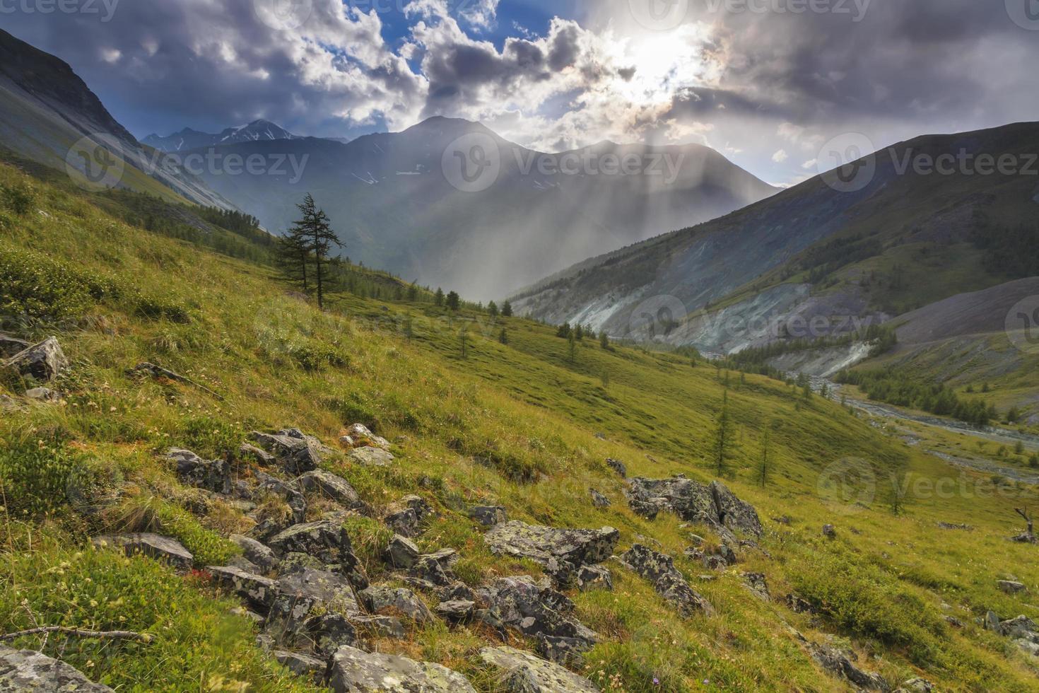 schöne Berglandschaft foto