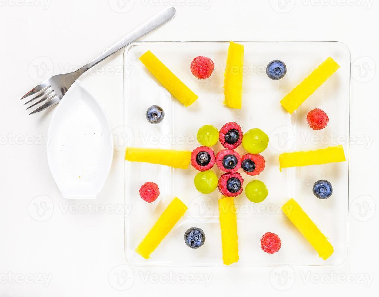 Auswahl an exotischen Früchten foto