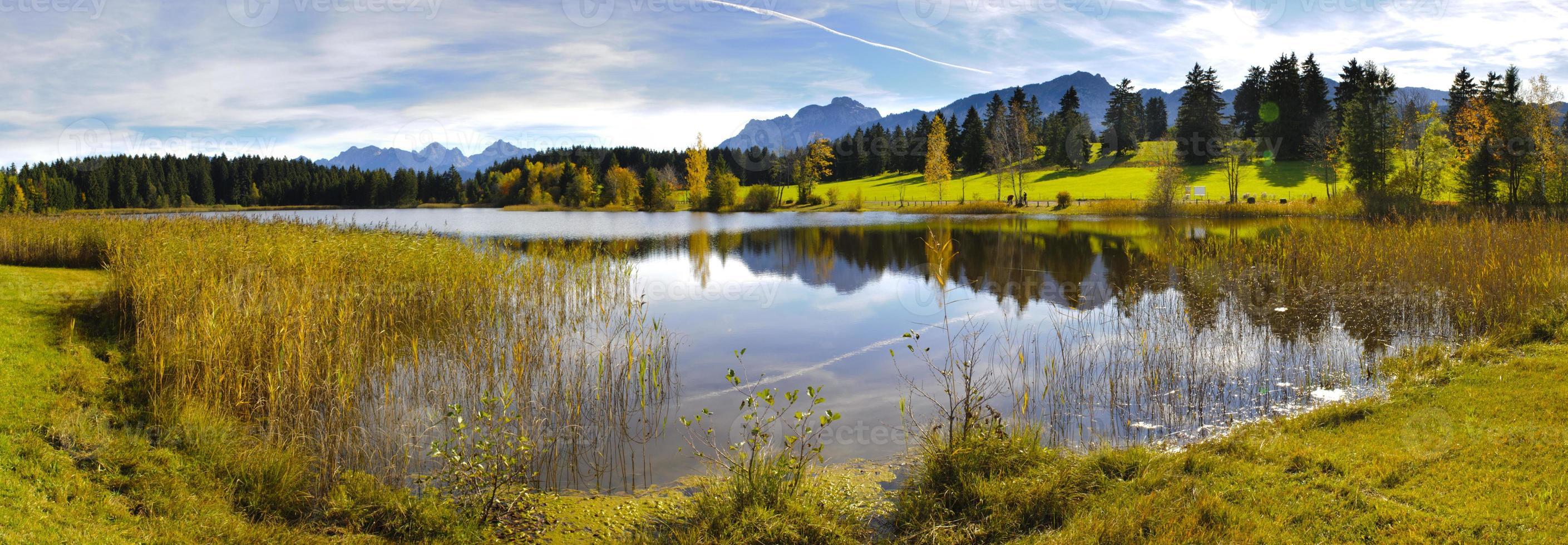 Panoramalandschaft in Bayern foto