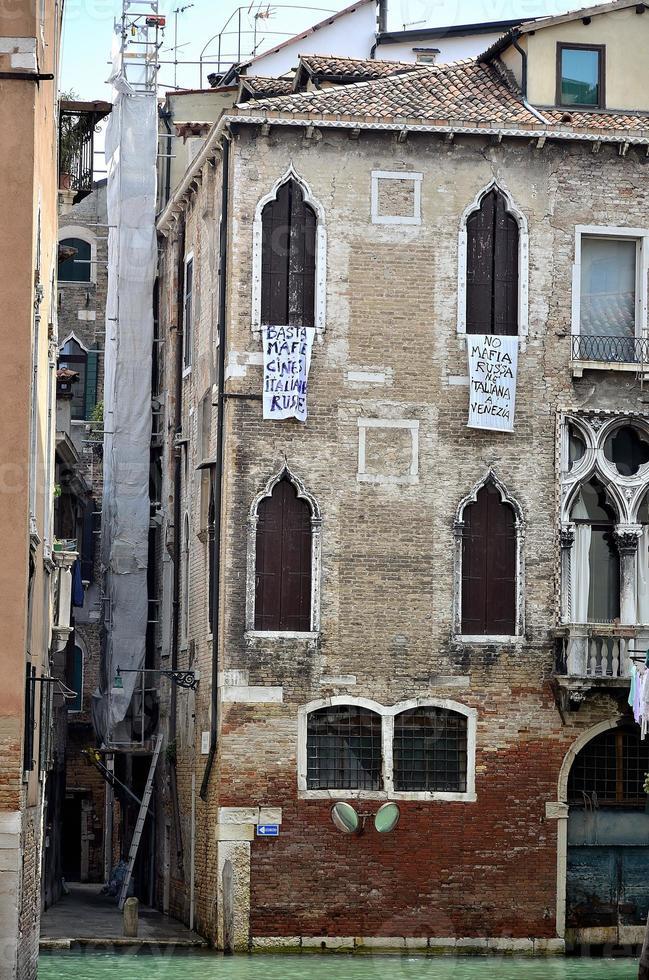 alte typische Gebäude von Venedig. foto