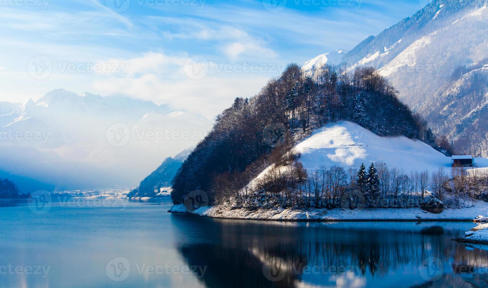 Winter in den Schweizer Alpen. foto