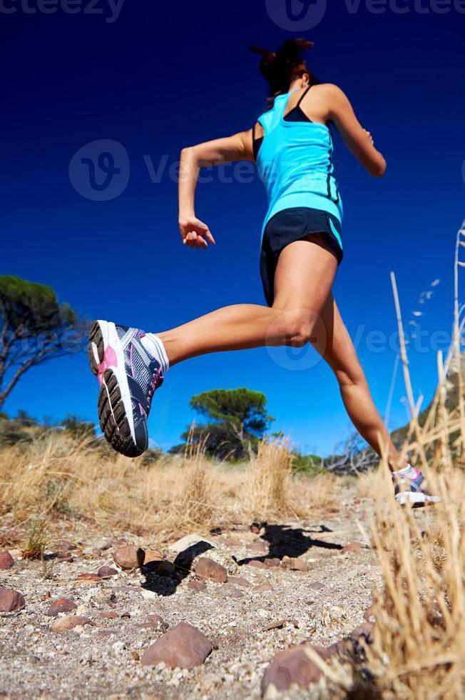 schnell laufender Athlet foto