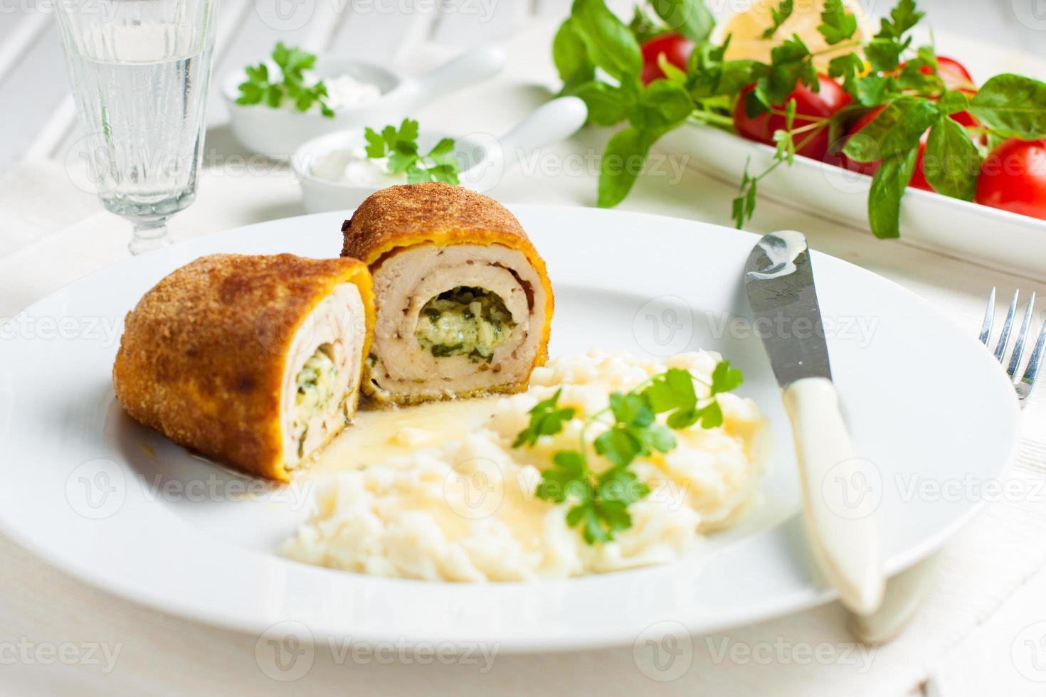 Hühnchen Kiew mit Kartoffelpüree foto
