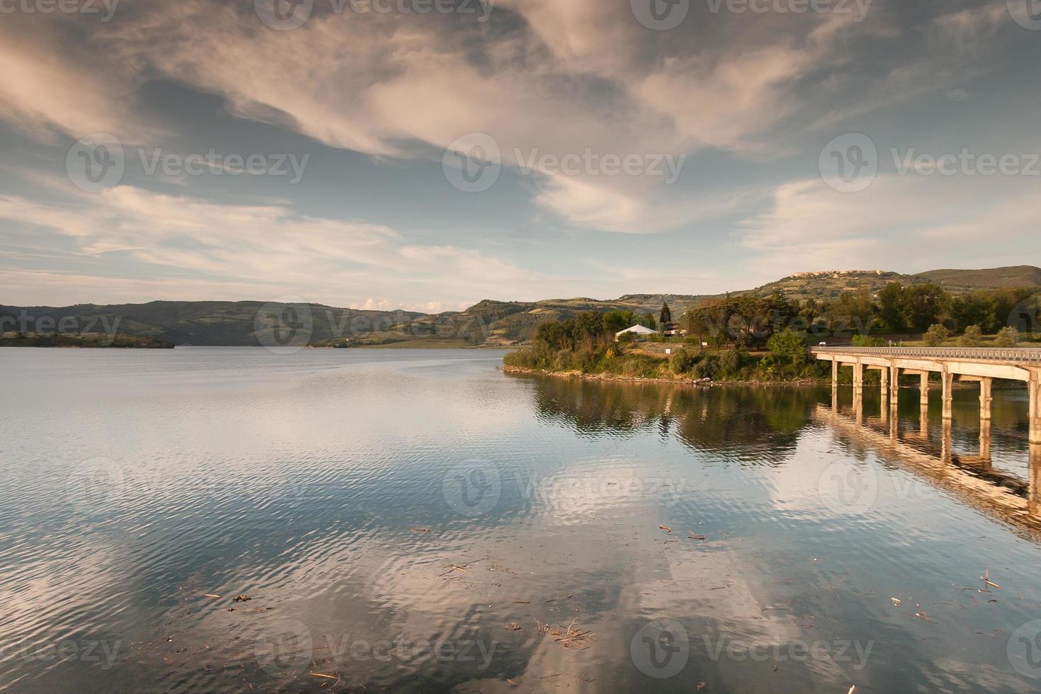 See und Brücke foto