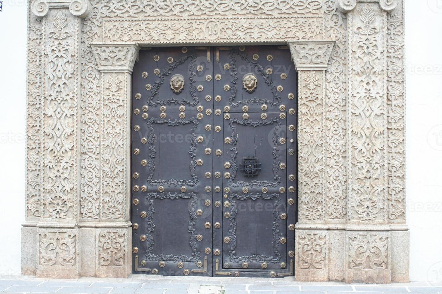 reich verzierte Tür Antigua Guatemala foto