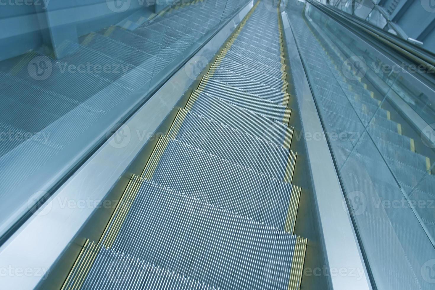 Rolltreppe Indoor-Einkaufszentrum foto