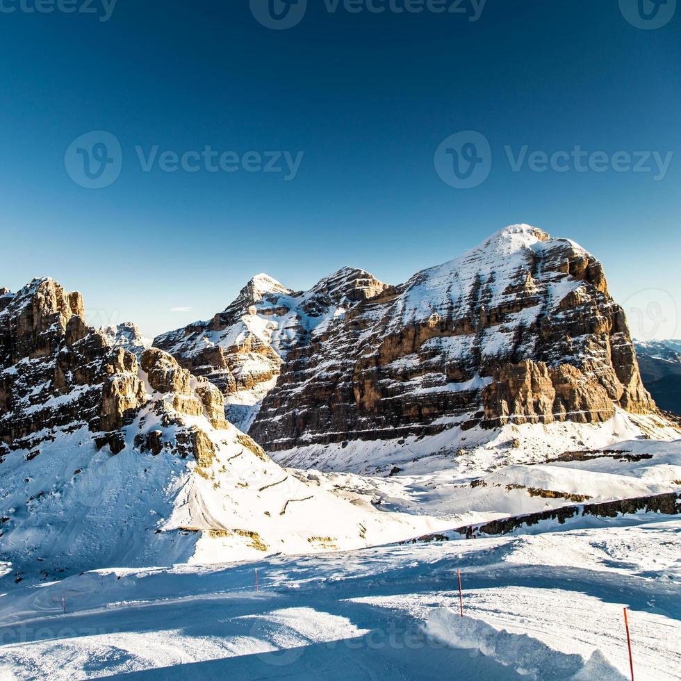 italienischer Dolomiti bereit für die Skisaison foto
