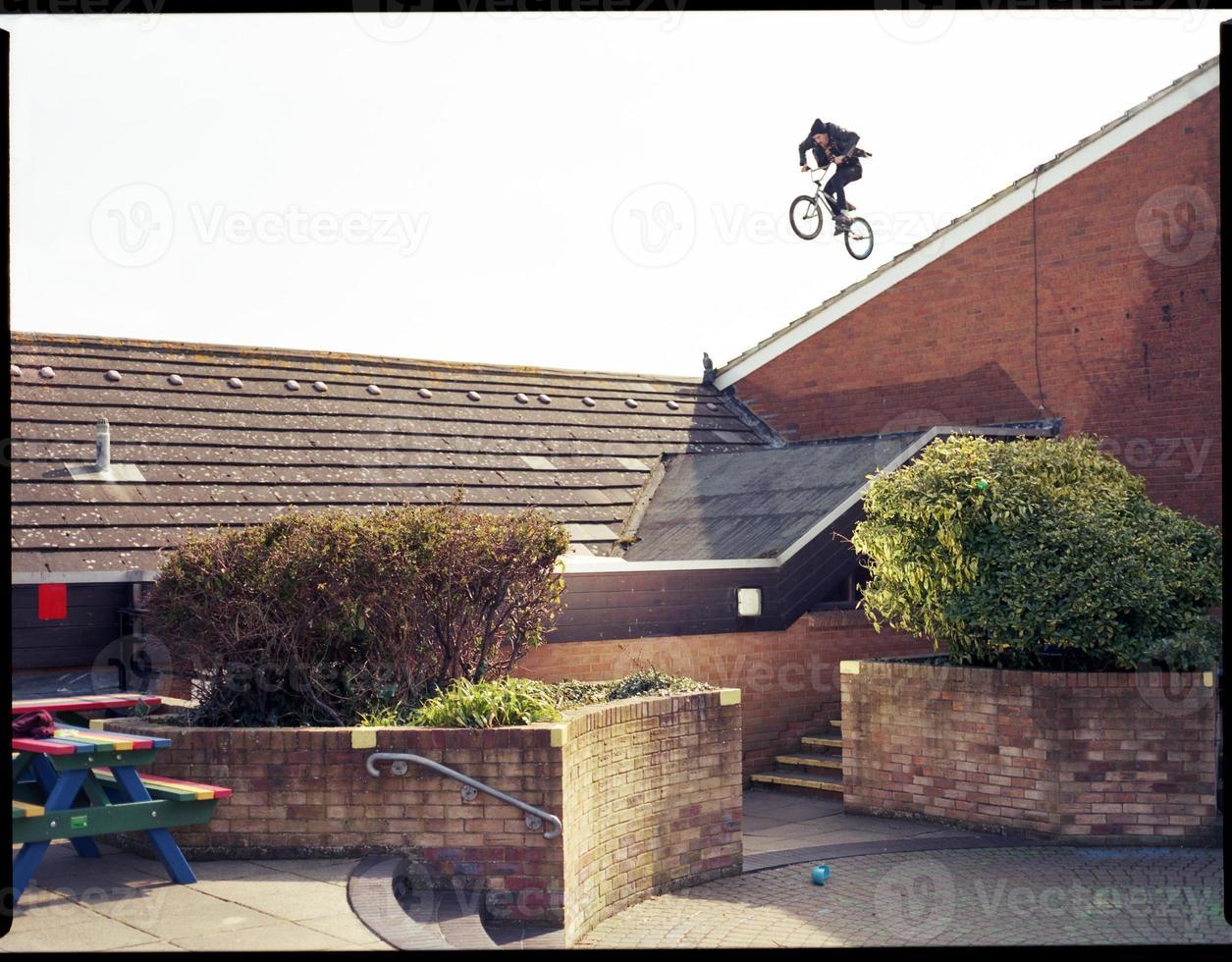 extremer BMX Dachabfall foto