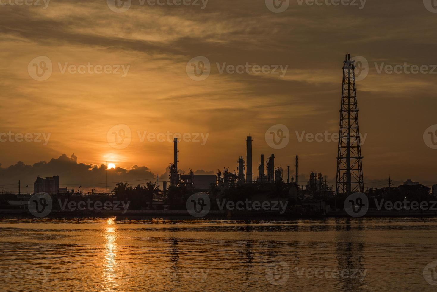 Ölraffinerieanlage in Bangkok foto
