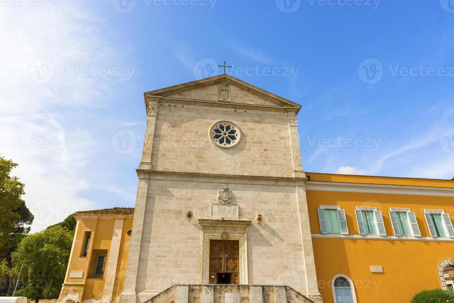 die kirche von san pietro in montorio in rom, italien. foto