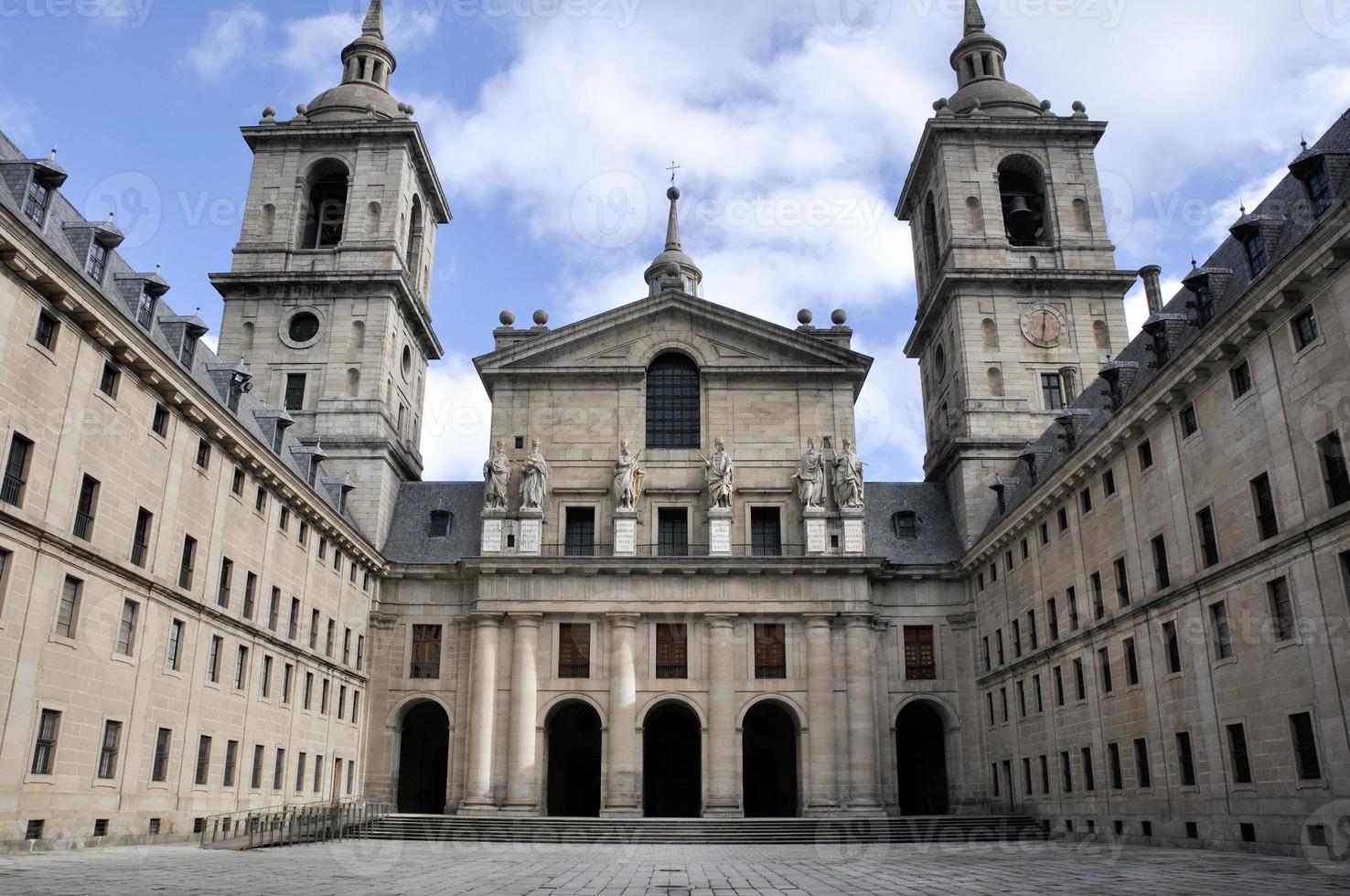 königliches kloster von san lorenzo de el escorial, madrid (spanien) foto