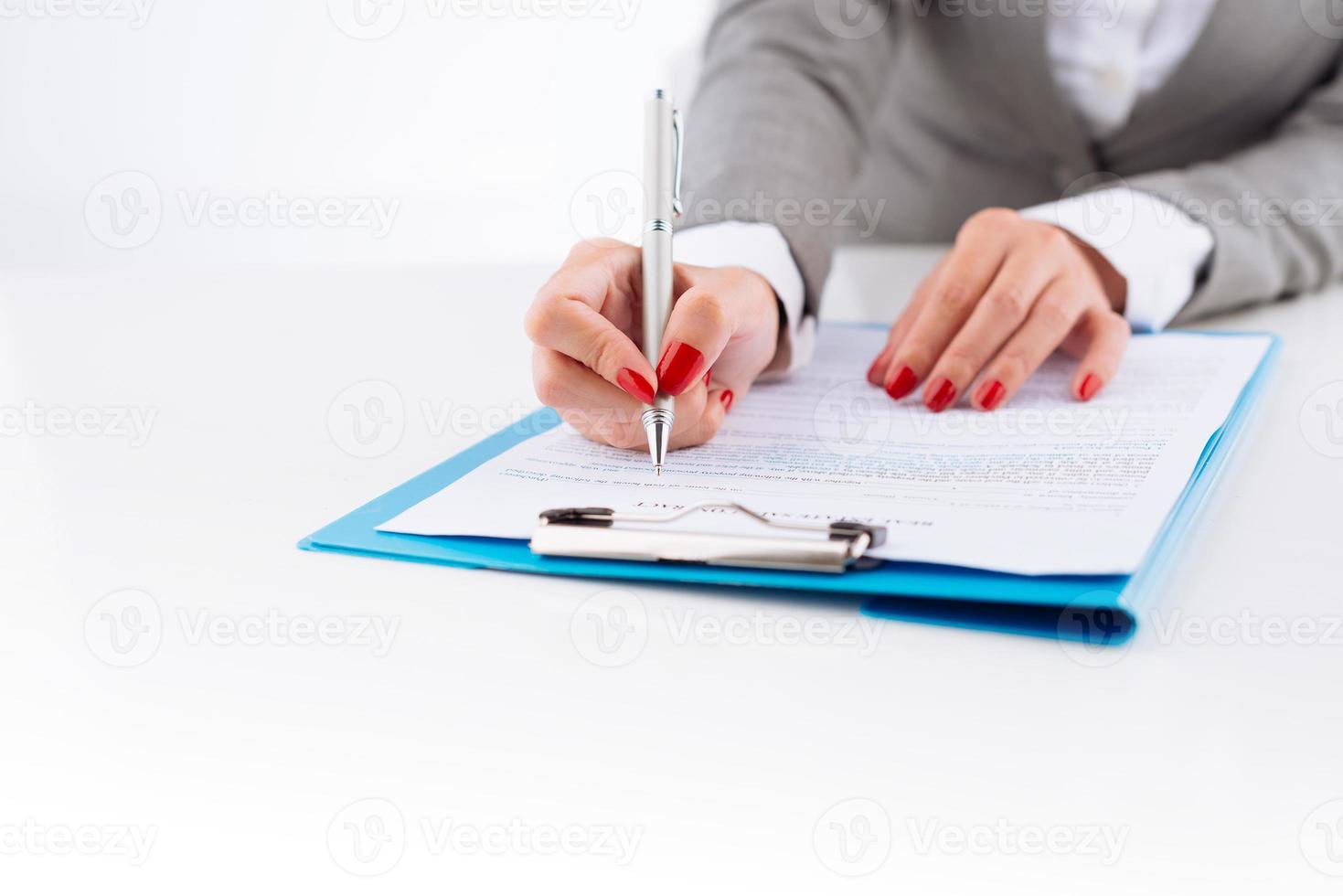 Geschäftsdokument prüfen foto
