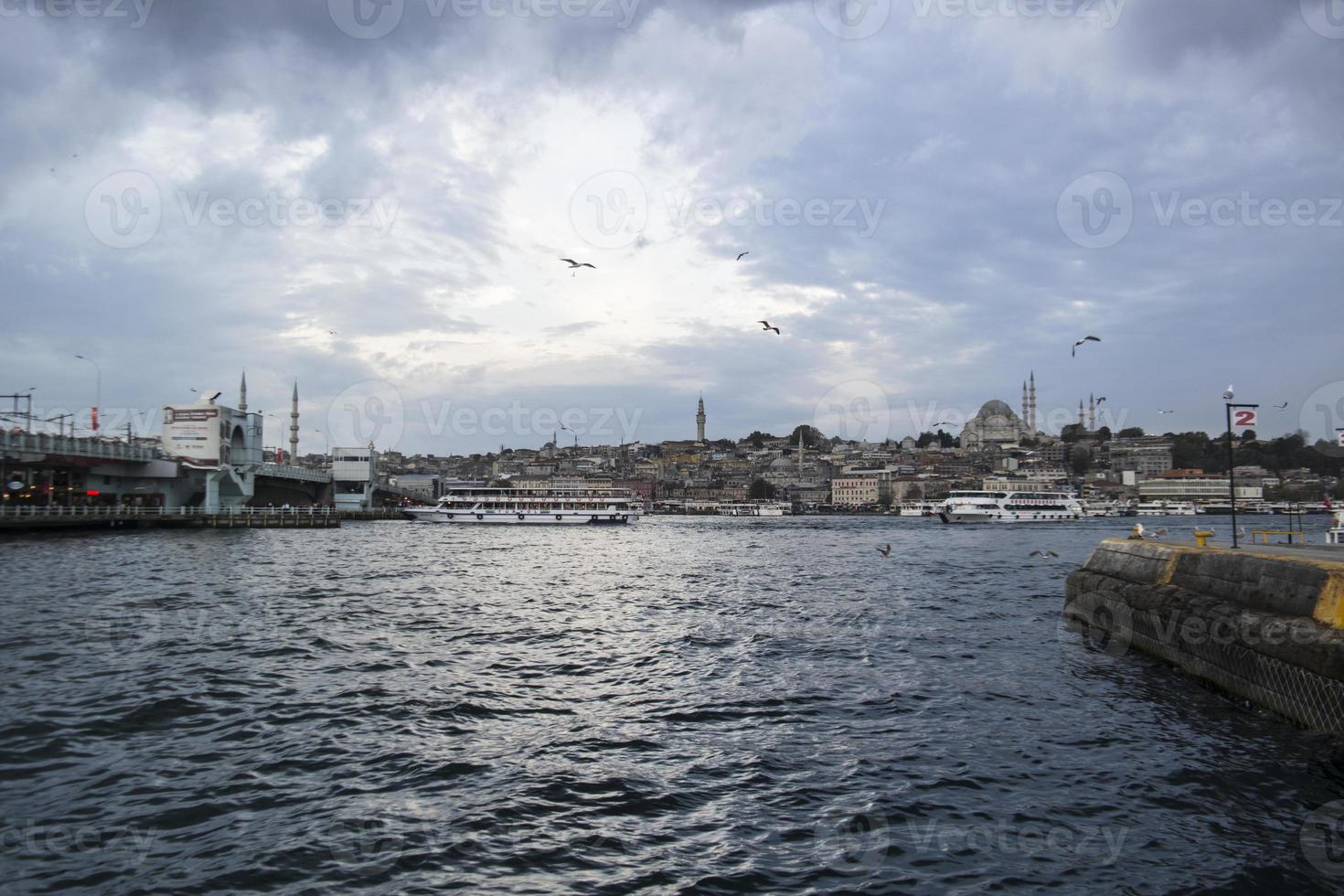 Seeverkehr in Istanbul, Bosporus foto