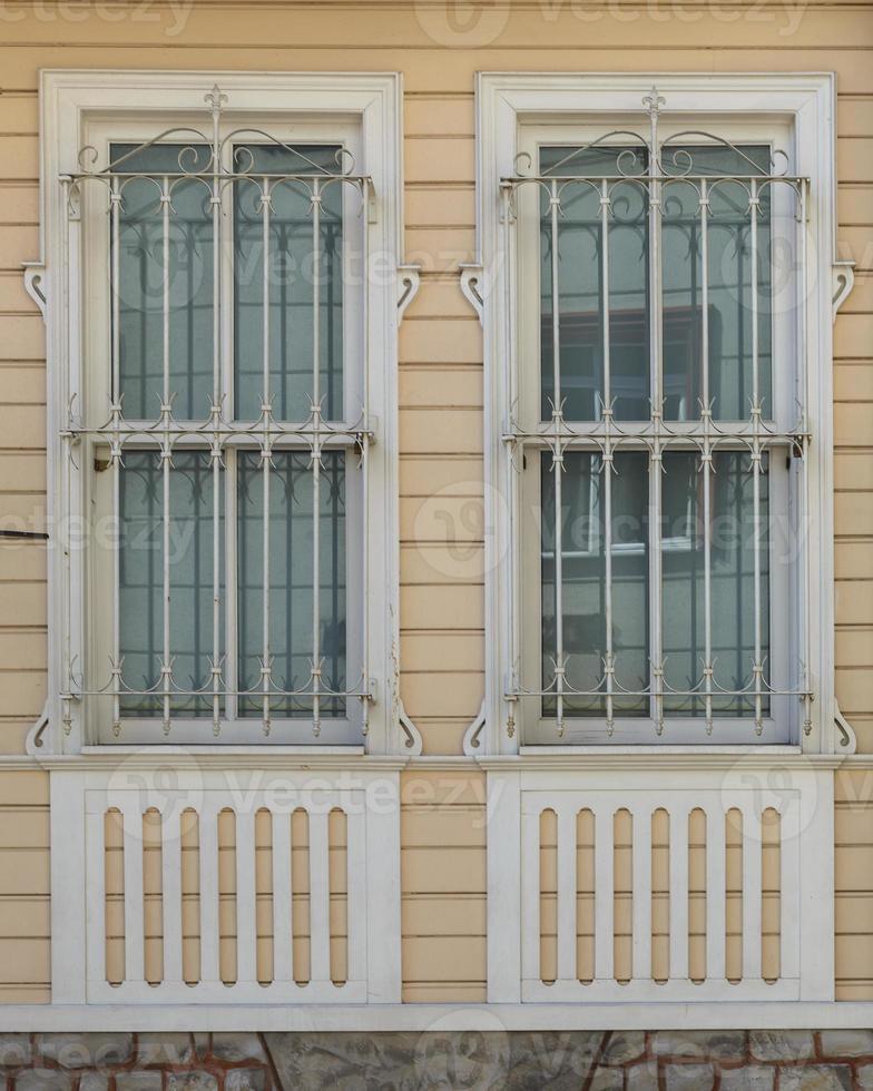 Holzhaus Wandverkleidung und Fenster foto