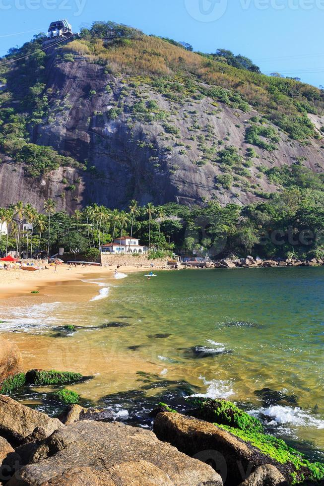 roter Strand, Berg Morro da Urca, Rio de Janeiro foto