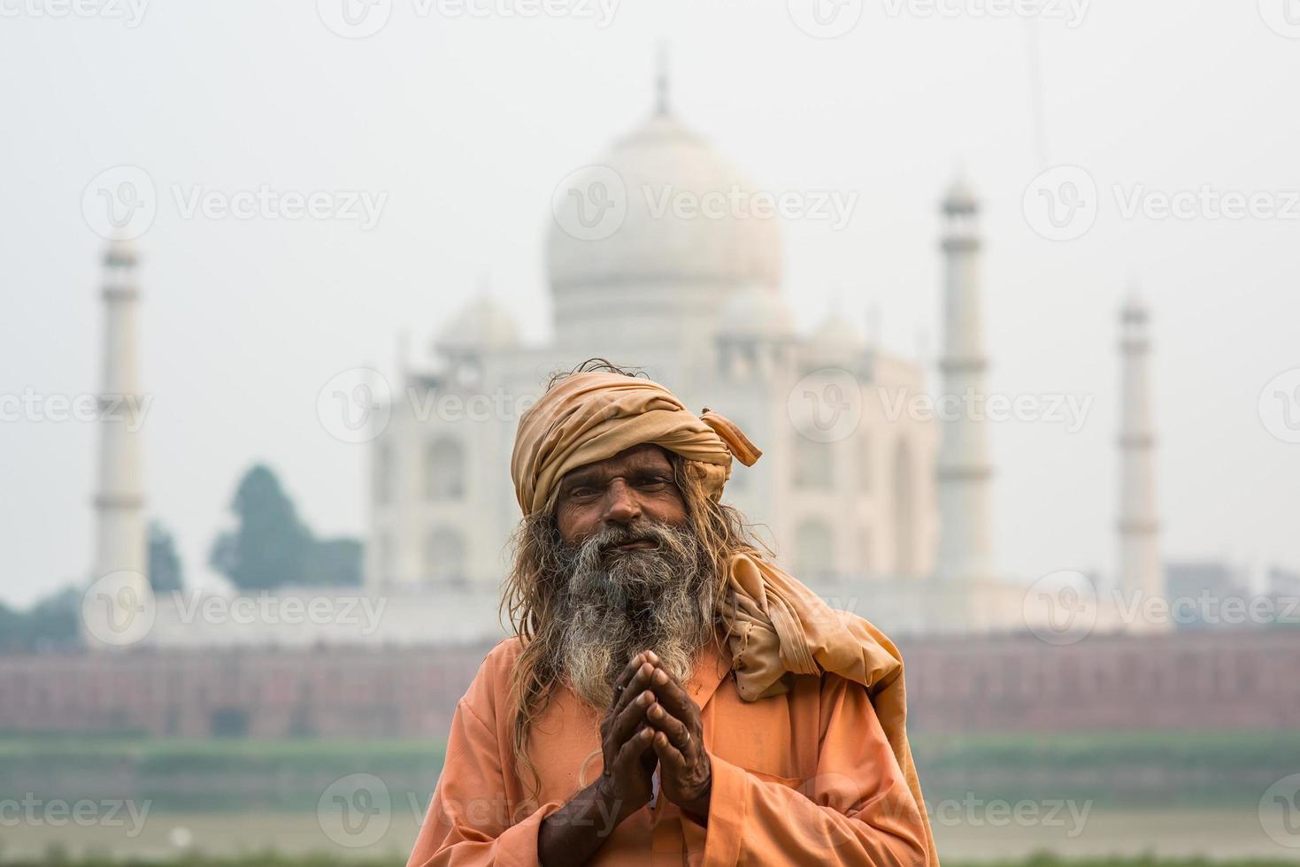 die alten Männer (sadhu) bleiben in der Nähe von Taj Mahal, Agra, foto