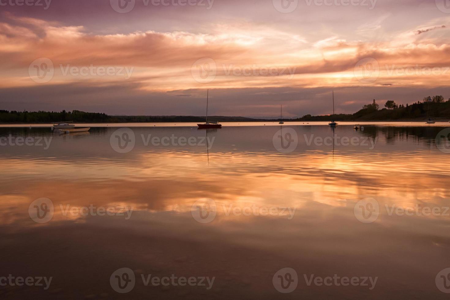 Boote bei Sonnenuntergang foto