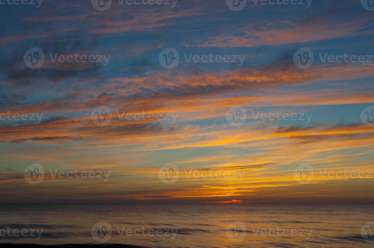 Sonnenuntergang auf Ostsee foto
