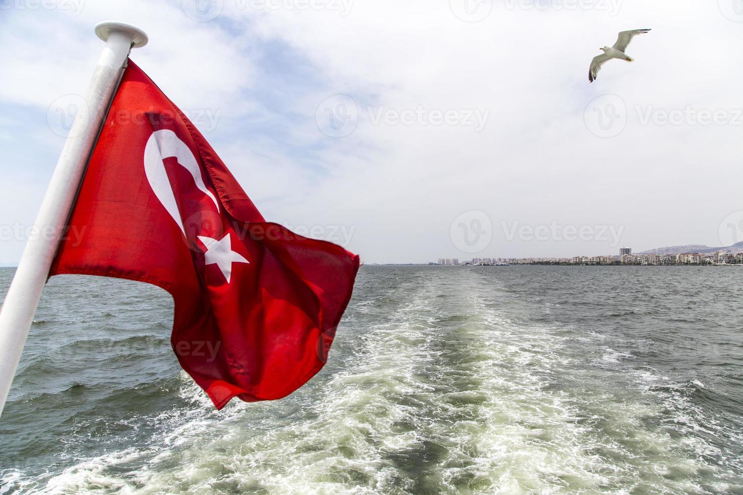 Dampfschiff in Izmir foto