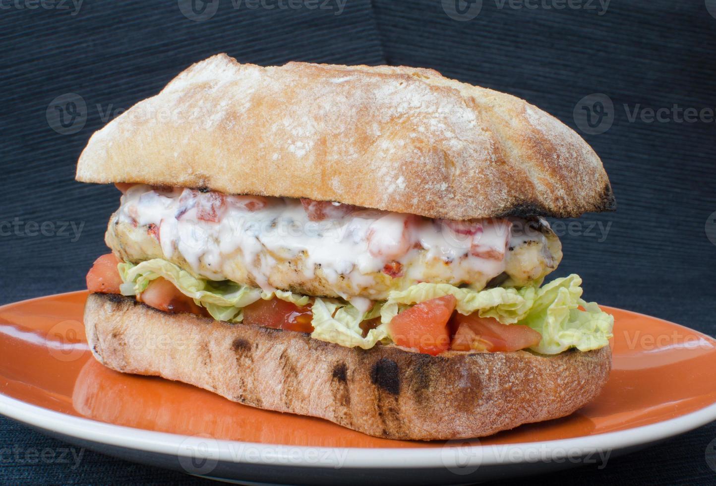 italienischer Hühnchenburger foto