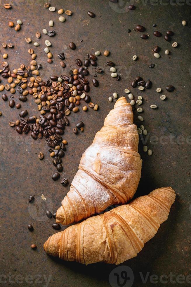 zwei Croissants foto
