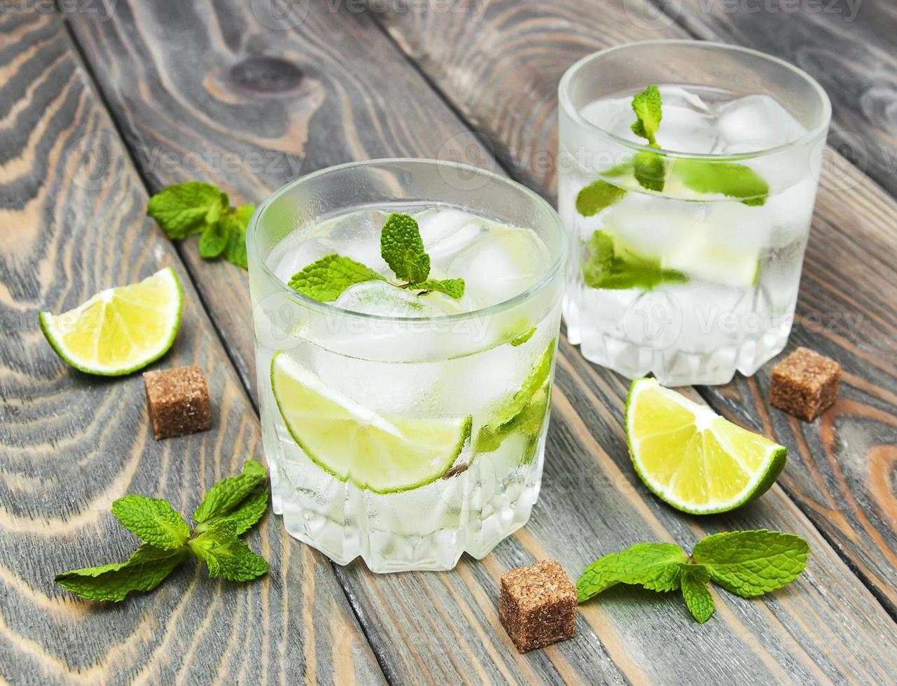 kaltes frisches Limonadengetränk foto