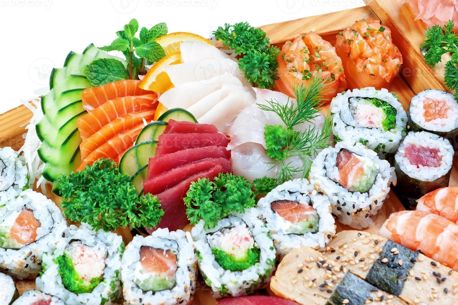 Set Gruppe von exotischen Essen Sushi. foto
